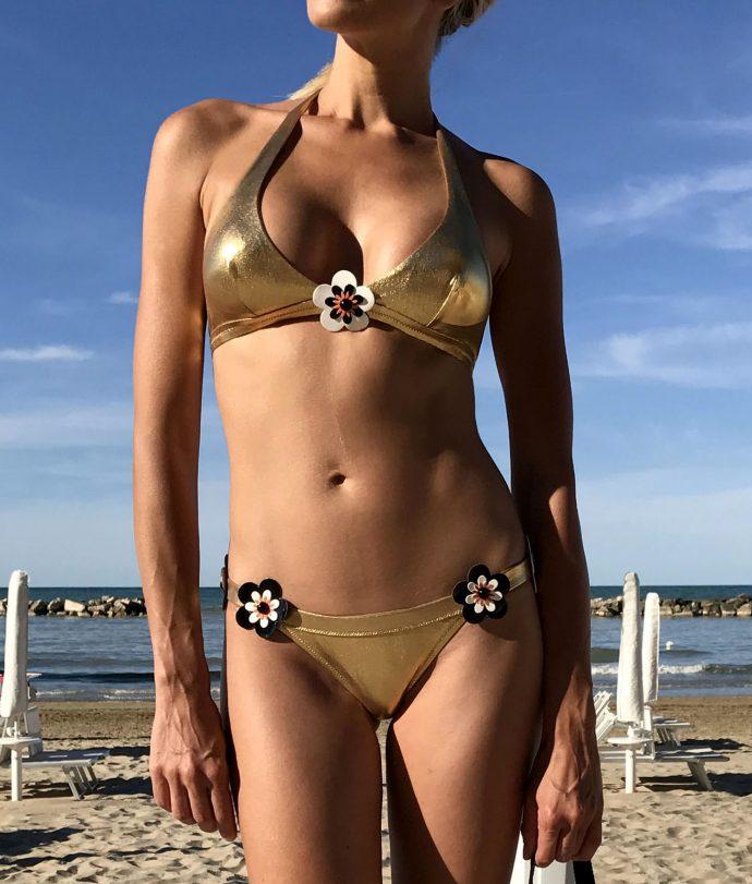 nadia guidi muse gold bikini